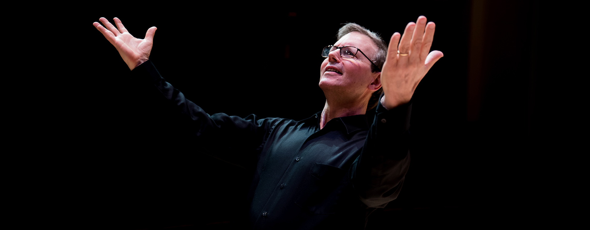 Rob Kapilow conducting